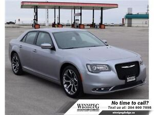 2016 Chrysler 300 S w/Panoramic Sunroof  Navi  w/Panoramic Sunro
