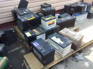 we sell good used car batteries, differnt types, top and side p