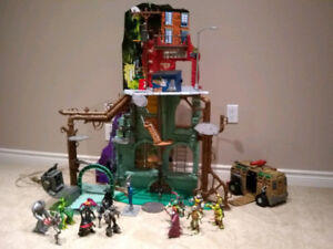 TMNT collection - lair, 16 characters and vehicle