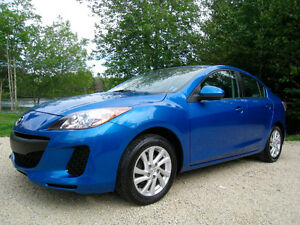 2012 Mazda Mazda3 GS-SKY *MoonRoof* *Heated Seats*