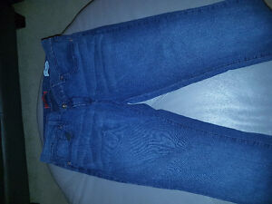 Size 34 Guess jeans - medium rise skinny