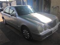 Mercedes-Benz E240 2.6 auto 2001MY Avantgarde
