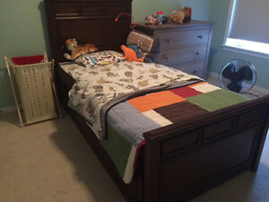 Twin bed with trundle bed for salw