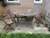 Outdoor oval table and 4 chairs