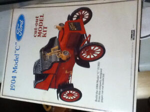 Model Kit booklet rare vintage collector 1904 Ford C cut out