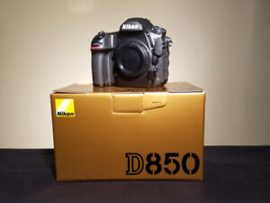 Nikon D850 body only mint condition with original Box Few images