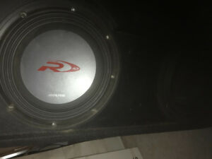 Alpine type-r 10'' subwoofer with thunder box 1000W infinity Amp