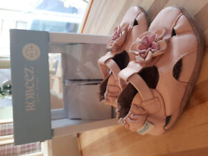 Chaussure Robeez rose 12-18 mois