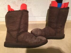 Women's UGG Classic Short Boots Size 7 London Ontario image 2