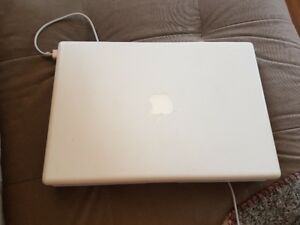MacBook 13,3po MB403LL/A (2.4 GHz Intel Core 2 duo) 2008