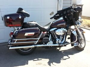 2005 Electra Glide Classic HD  Less than 32,000 KM   (1 Owner)