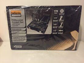 Halfords Advanced 170 Piece Socket & Ratchet Spanner Set Tool Box