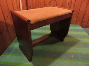 WOODEN BENCH POSSIBLY FOR VANITY OR PIANO STOOL asking $35 or be