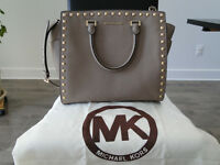 Michael Kors handbag, purse, bag, sac a main