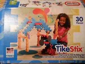 Little Tikes TikeStix Doghouse & Pet Building Set