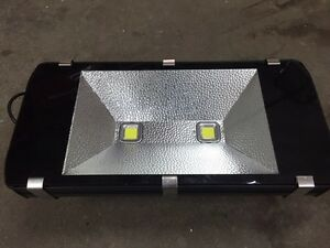 200 WATT LED  LIGHT