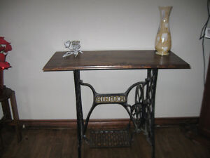 stunning sewing machine table.