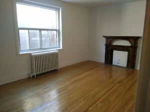 Big Private room near Atwater Metro