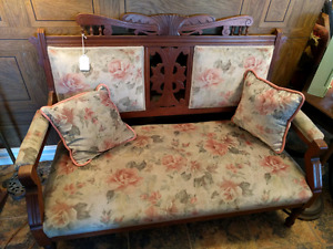 Eastlake Settee with Matching Pillows