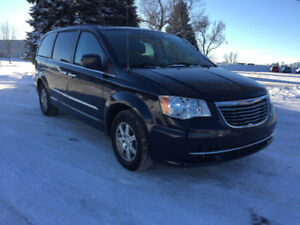 2011 Chrysler Town & Country Touring Finance Available