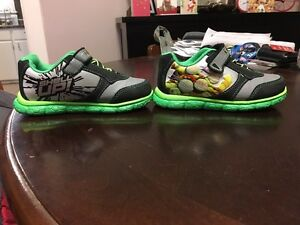 Toddlers ninja turtle shoes. Size 9