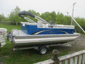 21 FOOT AVALON PONTOON BOAT FOR SALE