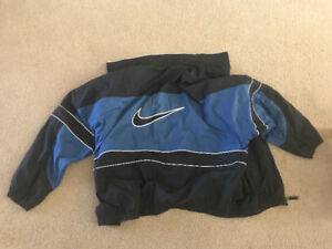 Vintage Nike jacket. Light weight. Good condition