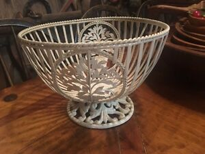 Metal fruit bowl