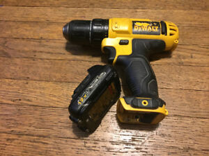 Drills/batteries and aluminum tool box pieces best offer takes