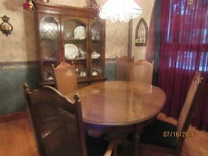 DINING ROOM SET-10 peice  GREAT CONDITION