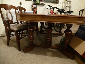 Gorgeous Antique Walnut Dining Table & Chairs