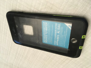 reputable site 4dde6 d2005 Case Lifeproof | Kijiji - Buy, Sell & Save with Canada's #1 Local ...