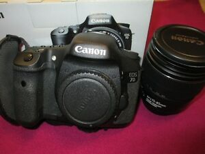 Canon EOS 7D with EF-S 15-85 IS USM Kit