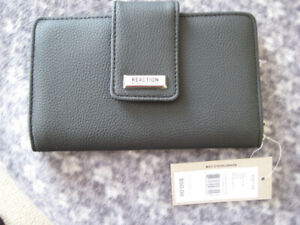 Kenneth Cole Clutch Wallet