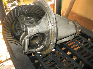 Datsun  H190 Differential 4.875 Gears
