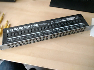 Behringer Ultrapatch Pro 1U Rackmount Patchbay PX3000
