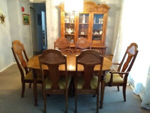 Dining room table with 6 chairs, buffet and hutch