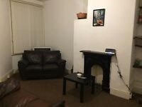Three double bedroom house close to Wilmslow Rd and transport links to Universities