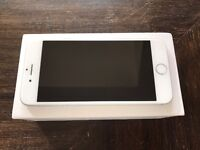 iPhone 6 64gb Silver With Box 9.5/10 condition!