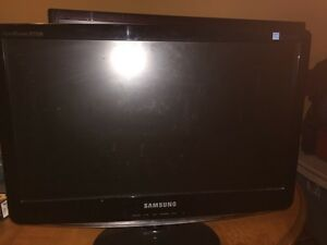 Selling 2 monitors  Cambridge Kitchener Area image 2