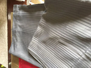 2 curtain panels