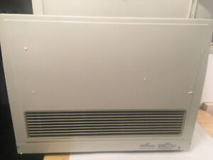 Rinnai EX22CTWN 21500 BTU Direct Vent Natural Gas Wall Furnace
