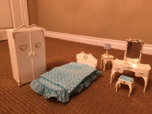 Sindy Barbie doll vintage bedroom furniture, very rare