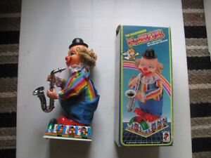 VINTAGE MR.BOB  SAXOPHONE-MUSICAL-TOY-WORKING-W-BOX-HONG