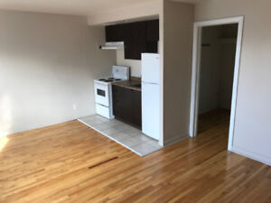 STUDIO APARTMENT GREAT LOCATION