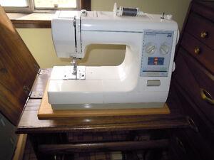 """""""Kenmore 26"""" Sewing machine"""