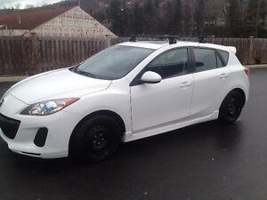 2012 Mazda3 Hatchback, Automatic, 75000km, Gs Skyactive 12,499$$