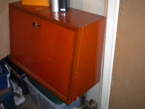 VINTAGE MID CENTURY MAHOGANY WALL MOUNTED SLANT TOP DESK