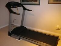 **FreeSport Deluxe Tread Mill** .... with pulse, power incline,