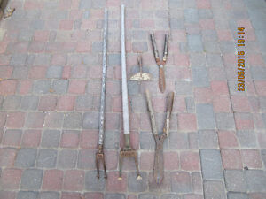 Vintage 5pcLotOfGarden Tools:3 hoes&2GardenShears Circa 1940-60s